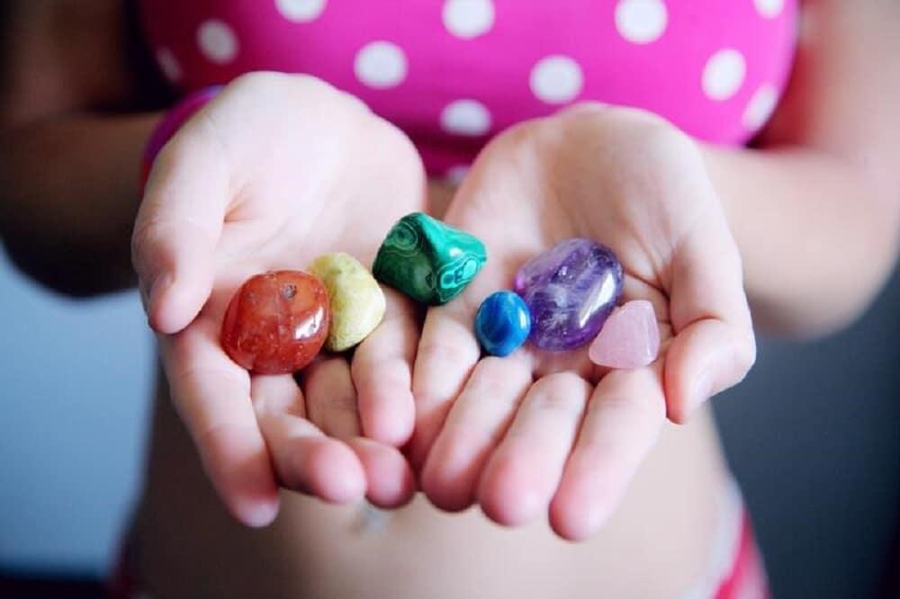 Bijoux en pierres naturelles un cadeau porteur de symbolique